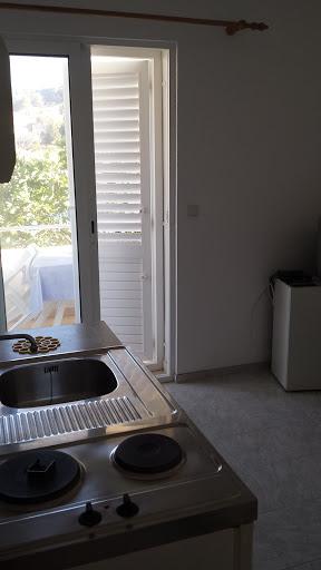 apartmani-togo-jelsa-hvar-apartman2-4